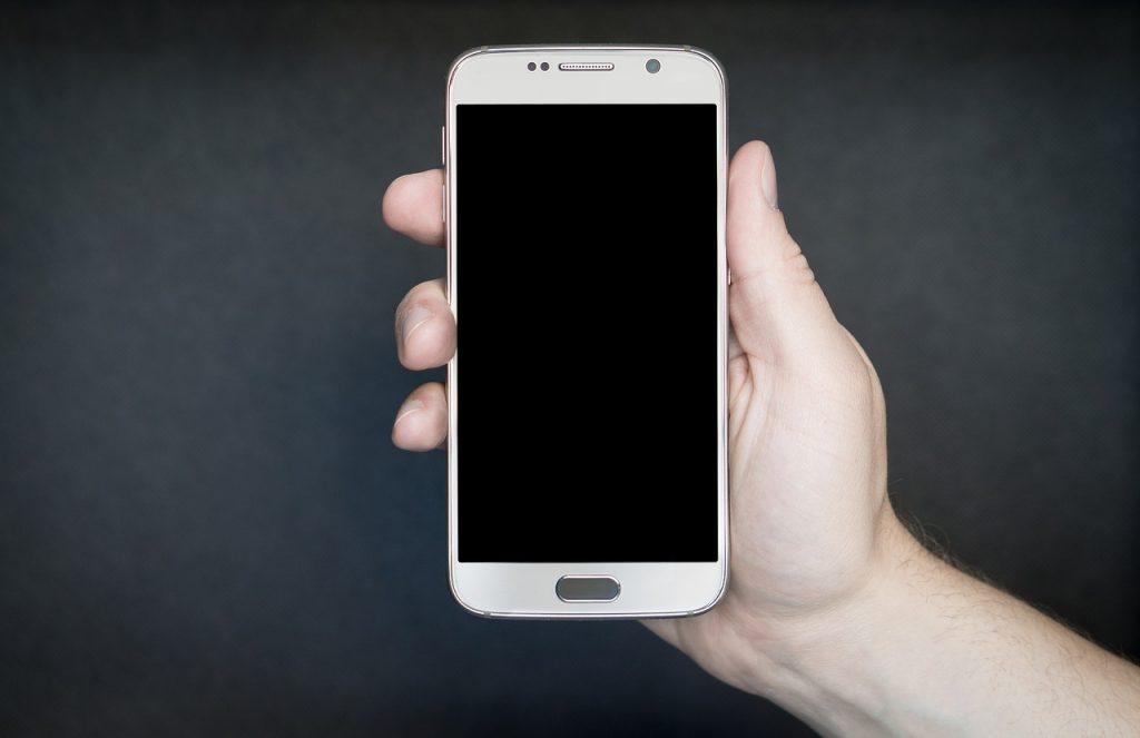 smartphone 1957740 1280 1024x663 - Como escolher um celular