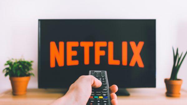 Conheça as 6 melhores plataformas de streaming de filmes e séries para assinar.