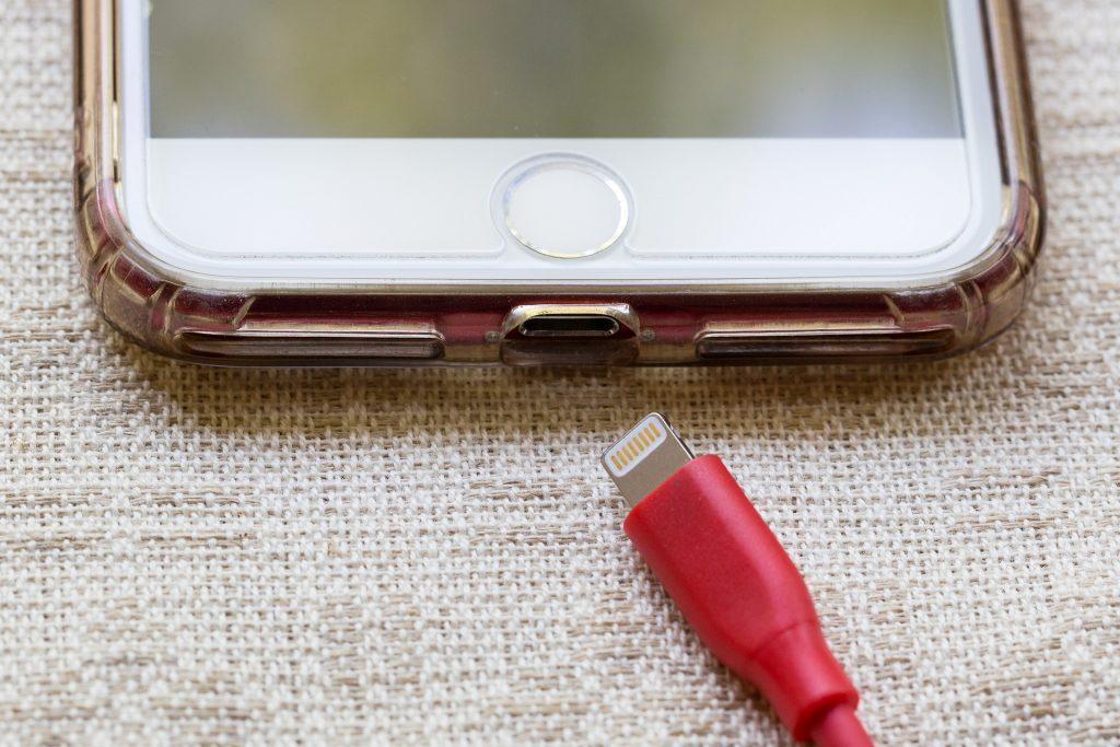 cell phone 3595372 1920 1024x683 - Baterias de celular: o que você precisa saber sobre elas