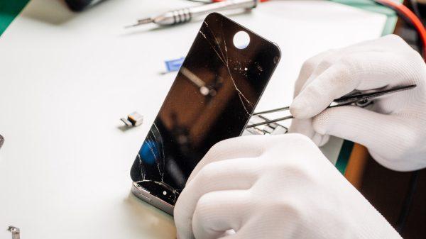 A manutenção em telas de celulares pode bem mais simples do que você imagina. Veja nossas dicas para realizá-la sem nenhum problema.