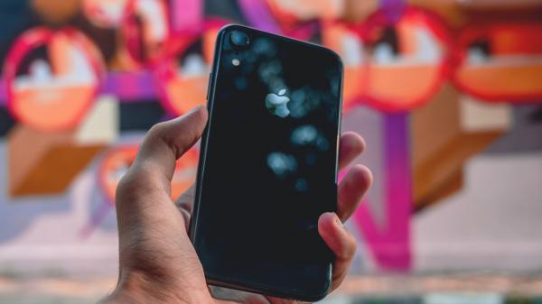 Descubra quais pontos você deve analisar na hora de escolher uma câmera de celular.