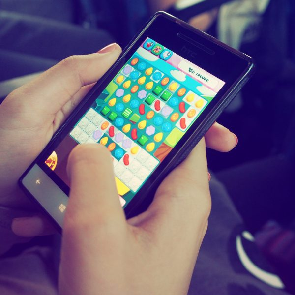 pexels beata dudová 228963 600x600 - 5 apps de brincadeiras para a reunião de família
