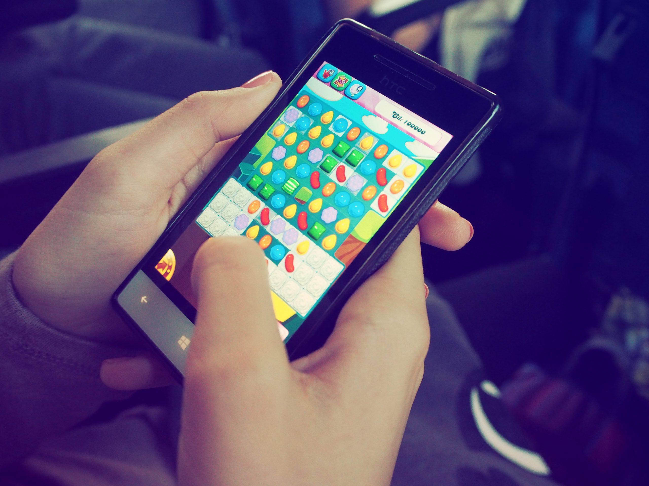 pexels beata dudová 228963 scaled - 5 apps de brincadeiras para a reunião de família