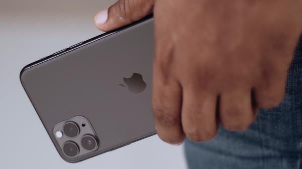 blog iphone 2021 600x337 - Qual iPhone comprar em 2021?