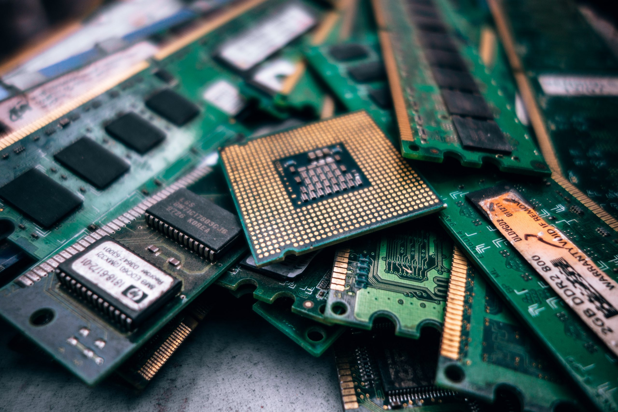 Queda na produção de semicondutores pode afetar preços de celulares
