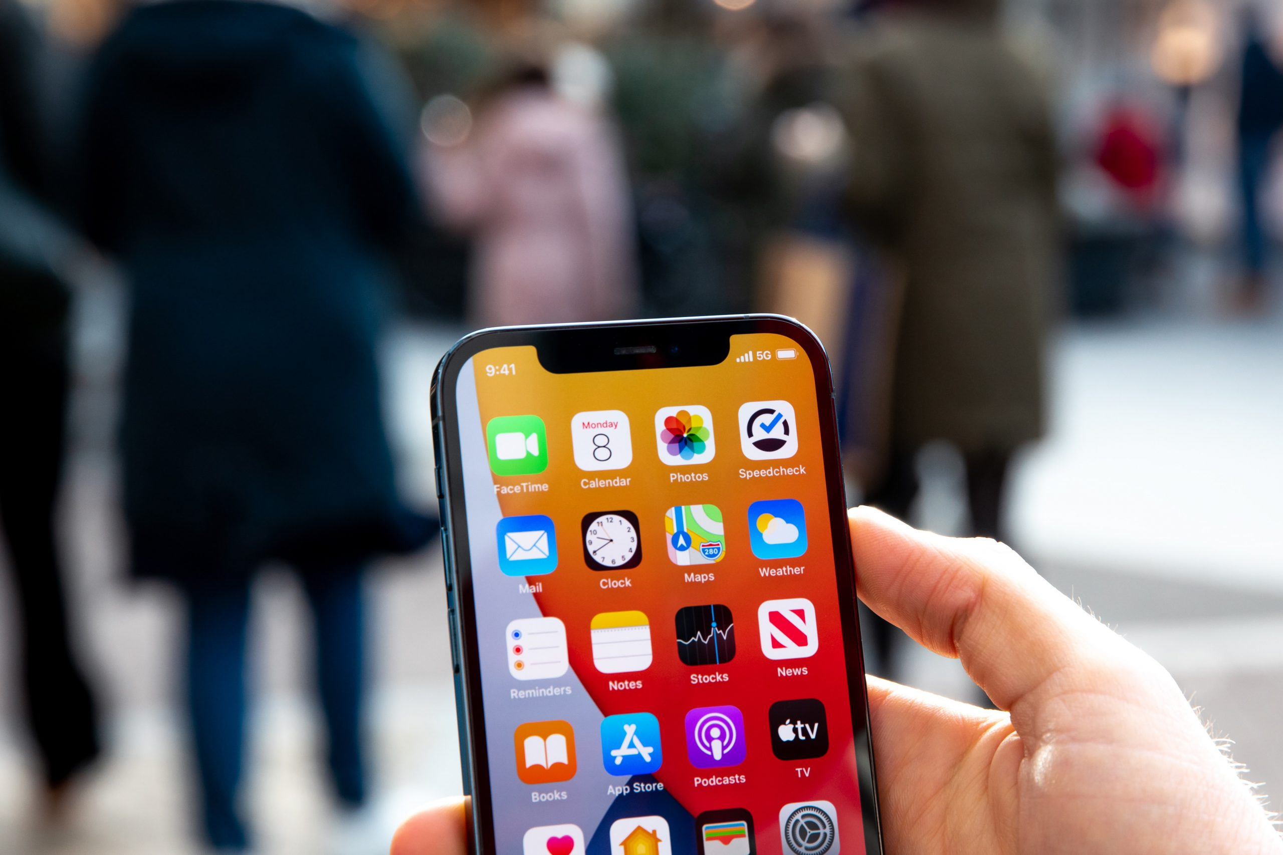 Roubos de celulares: como proteger suas contas e apps do banco